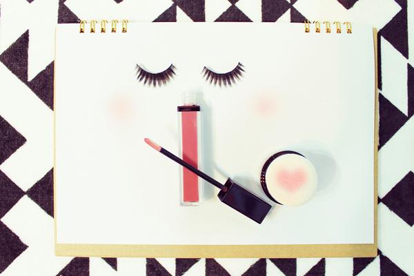 正社員の美容部員(ビューティアドバイザー)になるための3つの方法をまとめました!