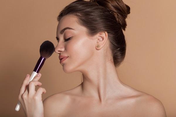 世界のブランドで働こう!外資系&海外化粧品の美容部員求人の画像