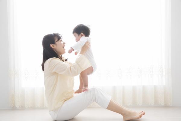 家庭や育児と両立!「時短勤務OK」の美容部員求人特集の画像