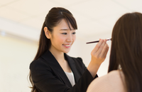 経験を活かして即戦力に!経験者優遇の美容部員求人特集の画像