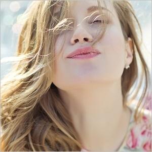 【PR】春も夏も、時間をかけずに手間なくうるさら髪をキープ♪ダメージヘア特集 の画像