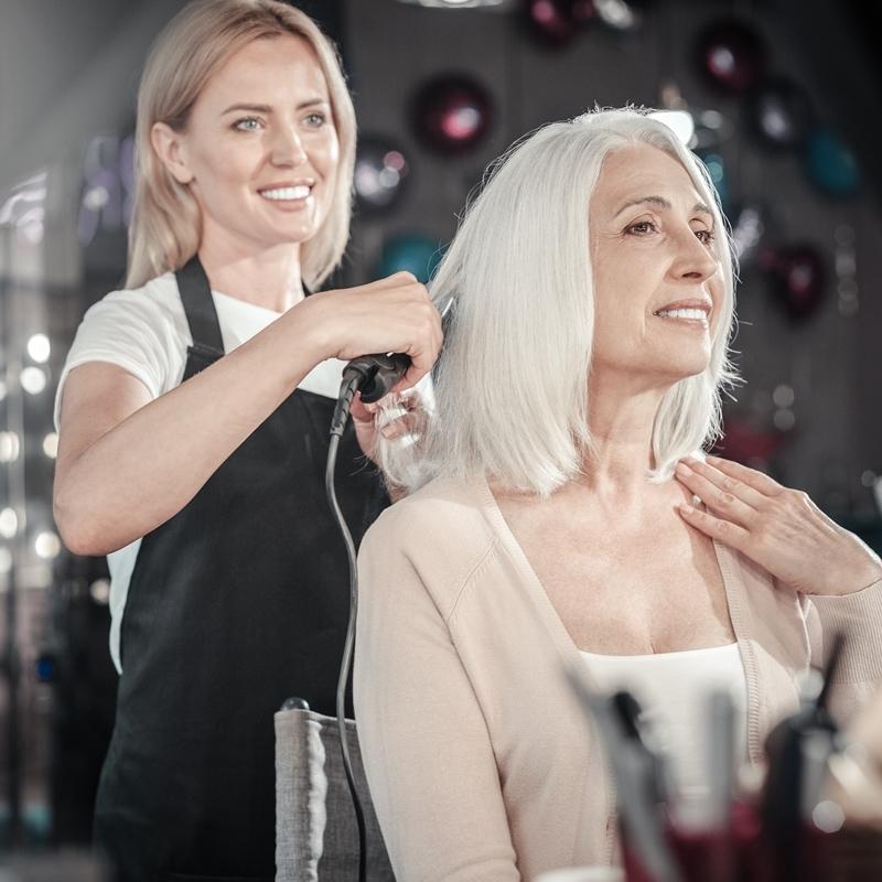 美しいグレイヘアの育て方!大人のヘアケアは自然&科学の最新テクノロジーで A-Beautyの画像