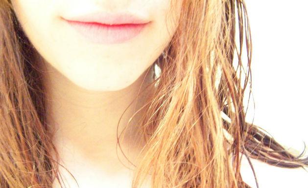 ぶつぶつ 顎 白い