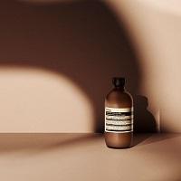 うるおいを保ちながら肌を洗浄。ミルクタイプのクレンザー/Aesop(イソップ)